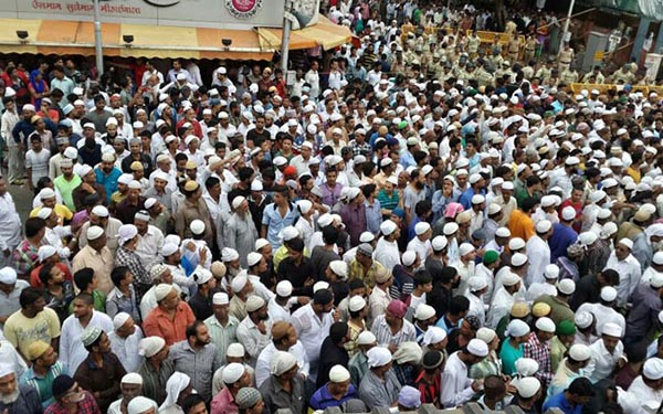 Muslim turnout for Yakub Memon's Last Journey | ummid com
