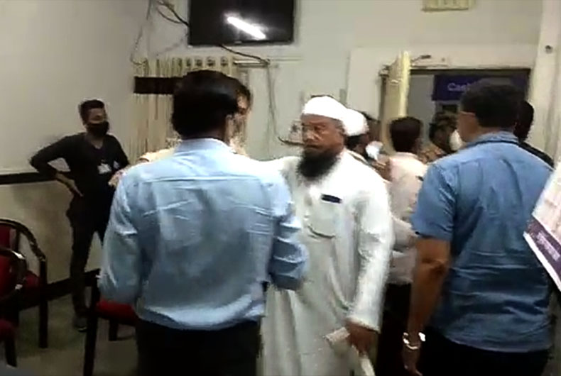 AIMIM MLA threaten Malegaon Medical officers